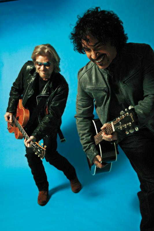 Hall and Oates (by Mick Rock)